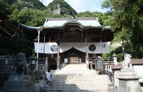 八栗寺 本堂.JPG