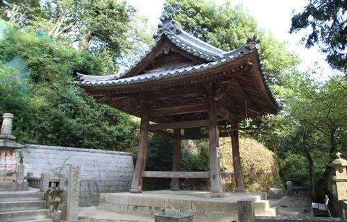 八栗寺 鐘楼.JPG