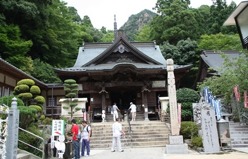 大窪寺 本堂.JPG