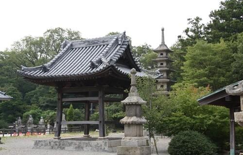 屋島寺 鐘楼.JPG