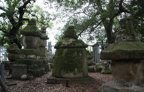 志度寺 海女の墓2.JPG