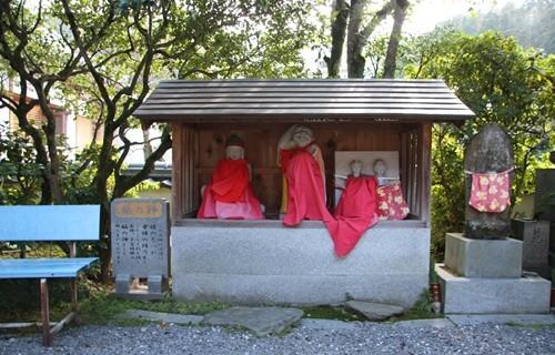 椿堂 福の神.JPG