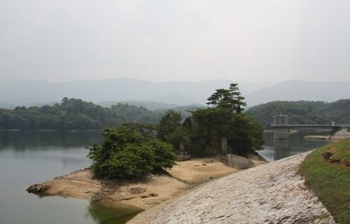 神野寺 満濃池1.JPG
