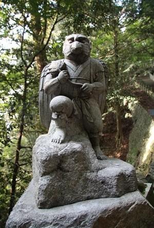 箸蔵寺 天狗3.JPG