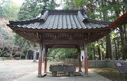 箸蔵寺 手水舎.JPG
