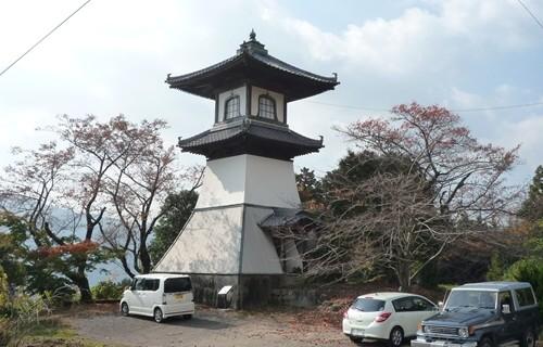 箸蔵寺 高灯篭.JPG